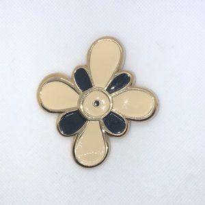 💛 Givenchy Vintage Flower Brooch